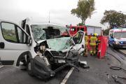 Zderzenie busa z ciężarówką w powiecie oleskim. Nie żyje 62-letni kierowca - 20211018171017_img-20211018-wa0014_4.jpg