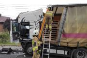 Zderzenie busa z ciężarówką w powiecie oleskim. Nie żyje 62-letni kierowca - 20211018171017_img-20211018-wa0015_5.jpg