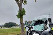 Zderzenie busa z ciężarówką w powiecie oleskim. Nie żyje 62-letni kierowca - 20211018171107_4_1.jpg
