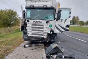 Zderzenie busa z ciężarówką w powiecie oleskim. Nie żyje 62-letni kierowca - 20211018171107_5_2.jpg