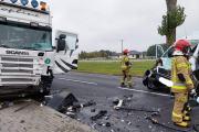 Zderzenie busa z ciężarówką w powiecie oleskim. Nie żyje 62-letni kierowca - 20211018171107_6_3.jpg