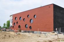 Basen przy Prószkowskiej będzie otwarty dopiero pod koniec roku