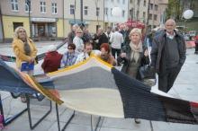 Gigantyczny szalik symbolicznie otulił Opolan