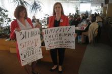 """Protest nauczycieli w Opolu. """"Nie chcemy wprowadzania chaosu w oświacie!"""""""