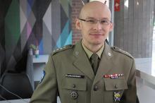 kpt. Piotr Płuciennik - elewi w jednostce nie mają prawa się nudzić