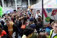 Tłumy uczniów na targach EDU w Centrum Wystawienniczo-Kongresowym w Opolu