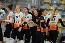 Dziewczyny z UNI Opole wygrywają ciężki pojedynek w Mielcu