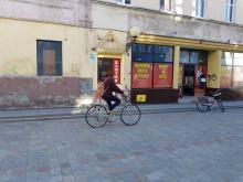 Rozbój w Brzegu. Napastnicy ukradli 500 tysięcy złotych oraz 20 tysięcy dolarów