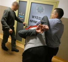 Areszt za rozbój z użyciem noża