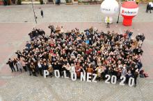 Blisko pół tysiąca maturzystów zatańczyło poloneza na rynku w Opolu