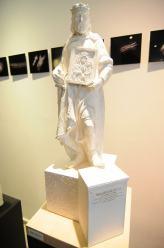 <i>(2,5 metrowy pomnik wykonany z brązu zajmie miejsce przed Zamkiem Górnym w Opolu)</i>