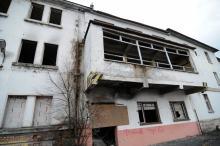 Ostatnie silosy Cementowni Groszowice runęły w 2004 roku. Został zrujnowany biurowiec