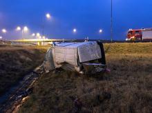 Auto dostawcze wypadło z trasy na 244 km A4