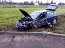 Samochód osobowy zderzył się z ciężarówką na DK45 w powiecie oleskim