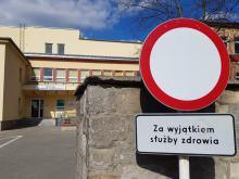 Zmarł 10 Polak zakażony koronawirusem. Słupki zachorowań są niepokojące