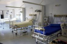 W tej chwili w stanie ciężkim pod respiratorami jest 160 osób