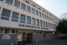 Czy będą zmiany w organizacji roku akademickiego na UO?