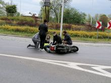 Nysa: Funkcjonariusze Zakładu Karnego pomogli motocykliście po wypadku