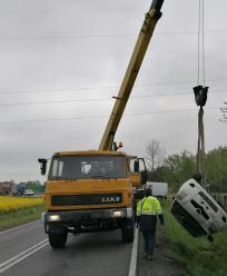"""Dachowanie w Namysłowie. """"Kierowca trzeźwy ale nierozważny"""""""