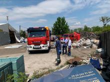 Straż i grupa chemiczna znów w Skarbimierzu. Specjaliści zbadają znalezione chemikalia