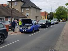 Zderzenie 3 pojazdów na ulicy Krzanowickiej. Jedna osoba w szpitalu