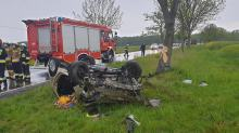 Śmiertelny wypadek na DK40 w Pokrzywnicy. Nie żyje kierowca