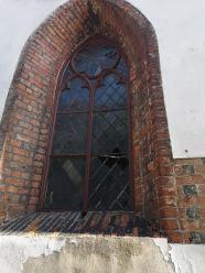 Policja szuka wandali, którzy zdewastowali kościół w Kluczborku