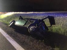 Kierowca chciał ominąć zwierzynę leśną i stracił panowanie nad pojazdem
