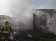 Strażacy gasili kurnik w Chrząstowicach