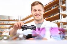 Dlaczego warto kupić okulary przeciwsłoneczne?