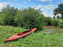 Wypadek na spływie kajakowym w Komornikach. Uczestnicy wpadli do wody