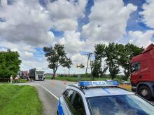 Rowerzysta wjechał pod samochód ciężarowy w Prudniku. Lądował śmigłowiec LPR