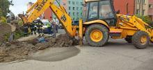 Koparka uszkodziła rurę z gazem. Zamknięto osiedle w Łambinowicach