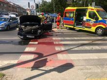 Duże korki po zderzeniu pojazdów na skrzyżowaniu Ozimskiej i Plebiscytowej w Opolu