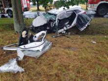 Dwie osoby ciężko ranne po czołowym zderzeniu osobówki z ciężarówką