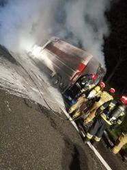 Samochód pocztowy spłonął na A4