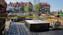 Centrum Przesiadkowe Opole Główne pnie się w górę. Ruszyła budowa fundamentów