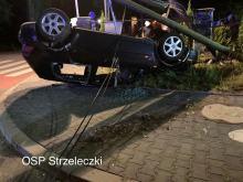 Wypadek samochodu osobowego w Mosznej