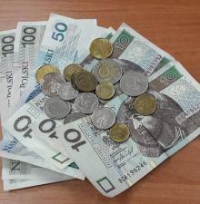 Policjanci z Grodkowa poszukują właściciela pieniędzy