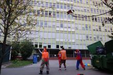 Świetna inicjatywa Fundacji Dr Clown pod szpitalem. Dawali uśmiech dla dzieci na odległość