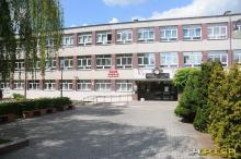 Sytuacja epidemiologiczna w szkołach: Kolejna szkoła przechodzi w tryb zdalny