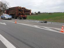 Rowerzysta wjechał prosto pod samochód ciężarowy. Lądował śmigłowiec LPR