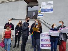 Przedstawiciele Lewicy nie zgadzają się z wyrokiem w sprawie kobiet. Proponują pomoc