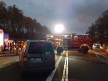 Dachowanie na autostradzie A4. Kierowca zabrany do szpitala