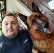 Pies miał trafić do schroniska - zaopiekował się nim policjant