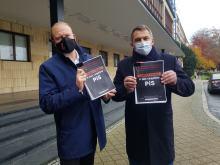 """170 stron """"Czarnej księgi 5 lat rządów PiS"""" przedstawili posłowie Koalicji Obywatelskiej"""