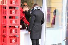 Oddając butelki do skupu wspomagają medyków. Świetna inicjatywa w Namysłowie