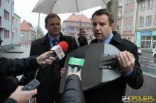 W Opolu na godzinę zgasną latarnie. Prezydent Arkadiusz Wiśniewski dołącza do protestu