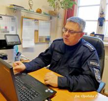 Wirtualne lekcje z policyjnym profilaktykiem