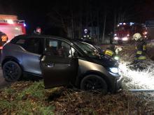 Zderzenie samochodów osobowych pod Opolem. Poszkodowane dwie osoby